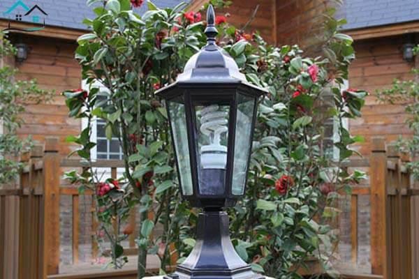 Đèn sân vườn trụ cột